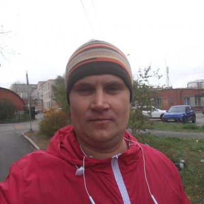 Илья Сухов